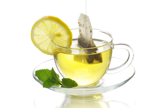 cup of tea with mint and lemon to detox